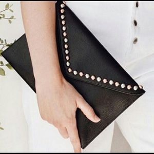 ::⚜️HP⚜️BLowTheBelt Black Leather Studded Clutch